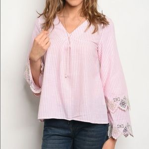 Long bell sleeve V-neck embroidery pink poplin top